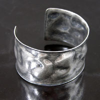 1.5in Hammered Textured Adjustable Cuff Bracelet Blank, Classic Silver